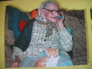 la prozia Carmela ha 100 anni